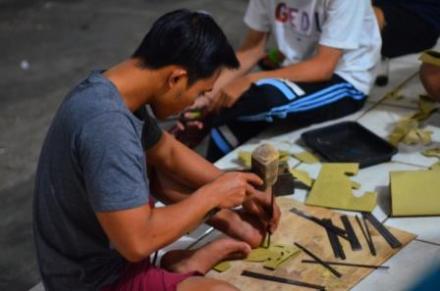 Untuk memaksimalkan keikutsertaan Lomba Penjor, STT Laksana Winangun rela Lembur