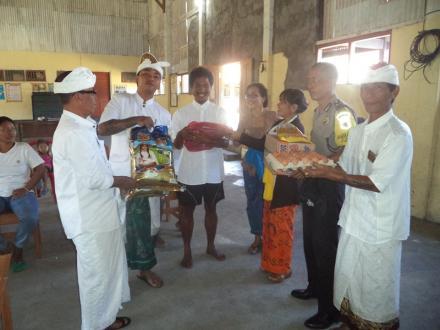 Peduli Kaum Difabel, Pemerintah Desa Telaga Berikan Bantuan Kepada Penyandang Disabilitas
